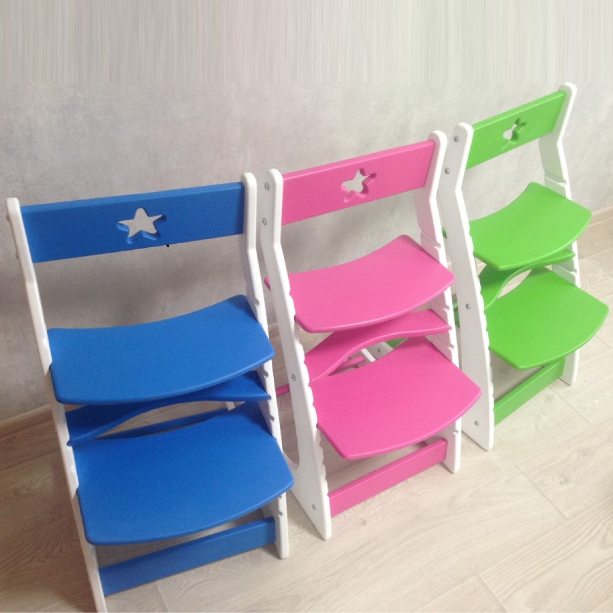 Детский растущий регулируемый стул Ростик/Rostik (зелено-белый)